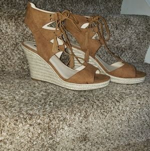 NWOT Guess wedge strappy sandals